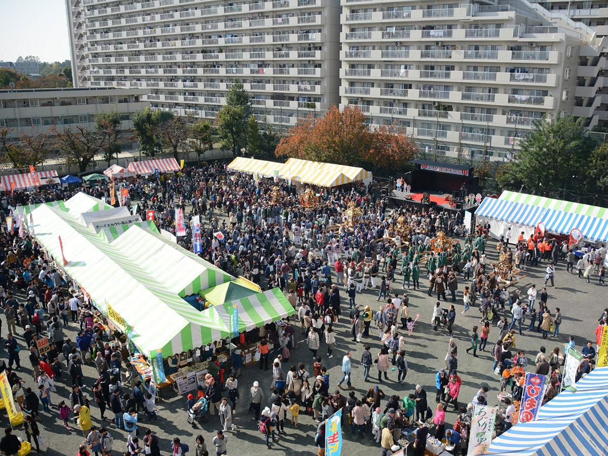 「狛江市民まつり」ふるさと広場の様子