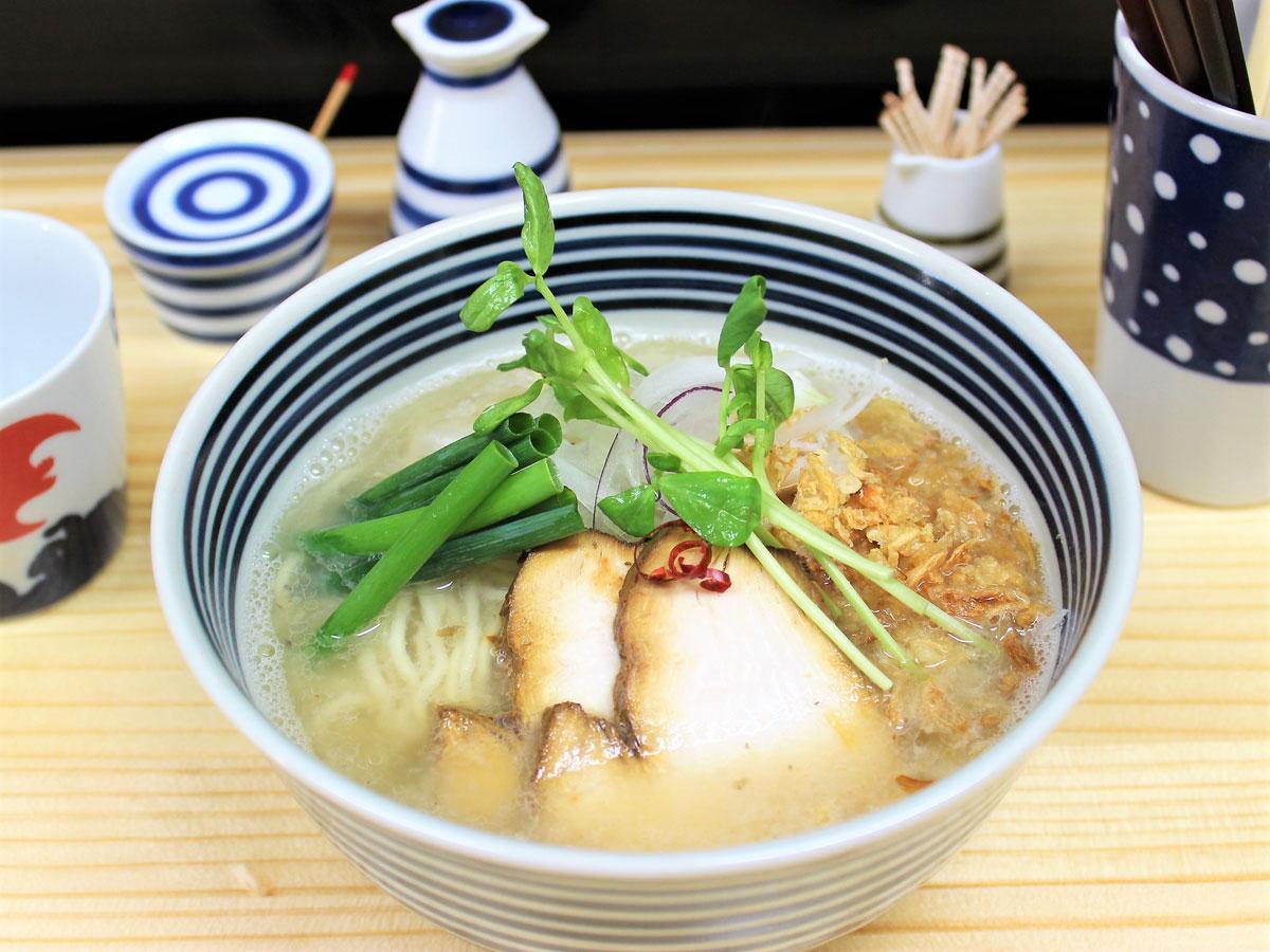 調布・柴崎に焼きさばスープのラーメン店 長崎の人気店監修、女性店主が開業