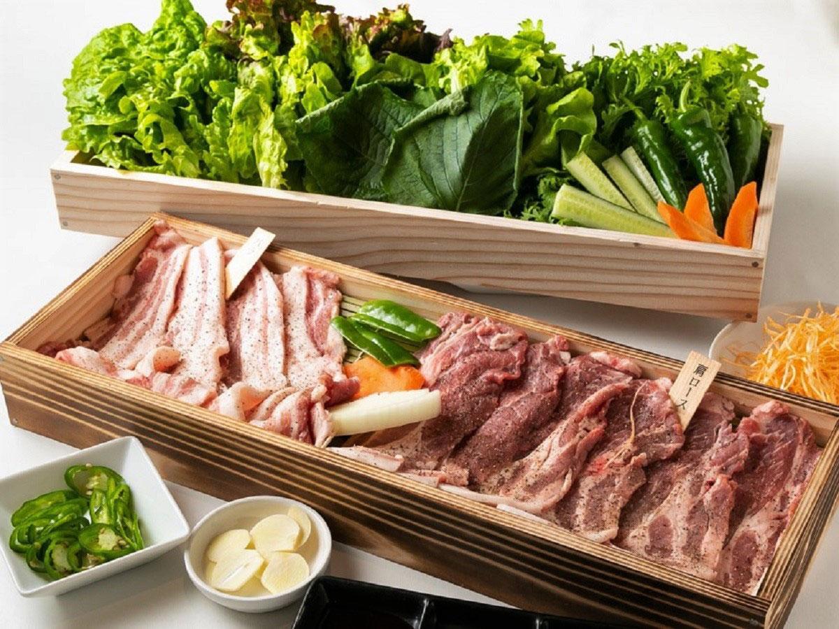 調布・仙川に韓国料理専門店 「厳選」した豚肉と野菜の韓国式焼き肉売りに