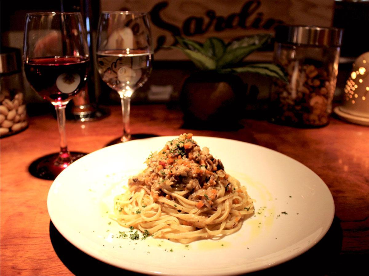 「調布Bar Sardina」のイチオシ「イワシと香味野菜タリオリーニ(生パスタ)」