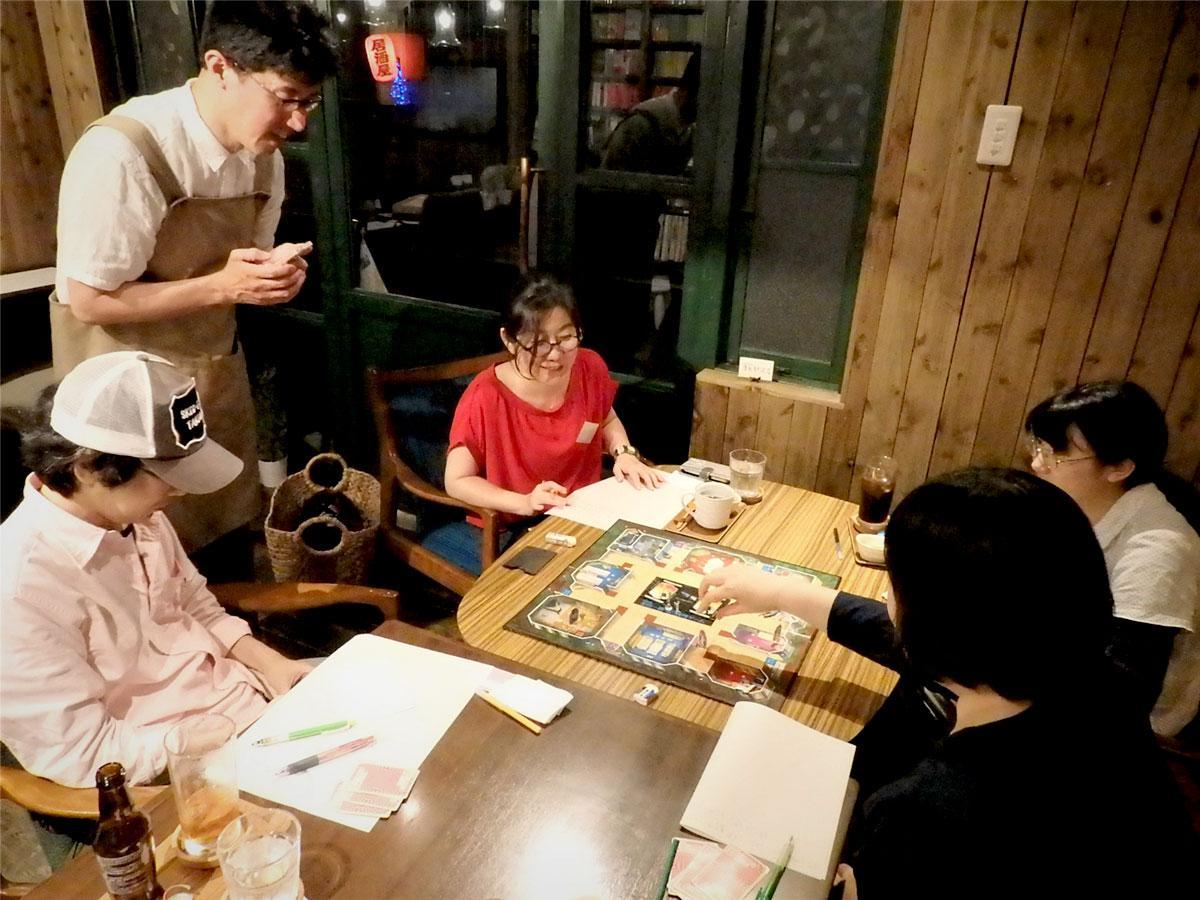 5月末に開催された「21時のレトロボードゲーム」イベントの様子