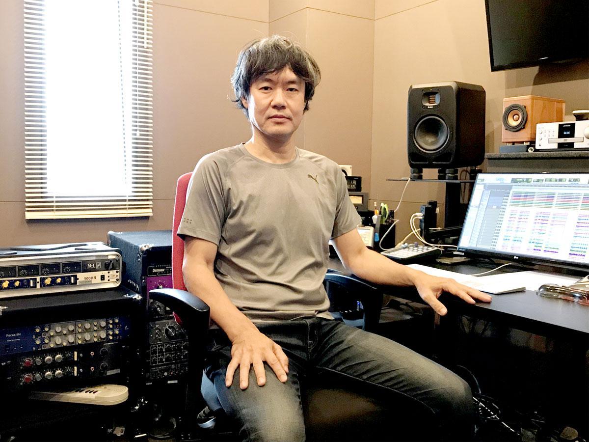 レコーディングエンジニアとして20年以上の経歴を持つ代表の原さんと最新の録音機材が揃ったスタジオ