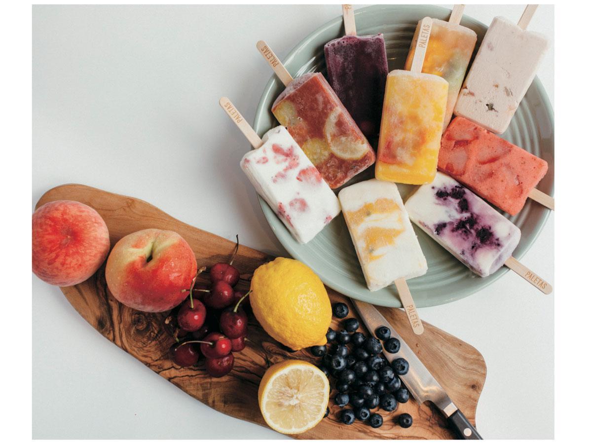 新鮮なフルーツや野菜の果汁をジェラート、ヨーグルトなどに閉じ込めたアイスバー