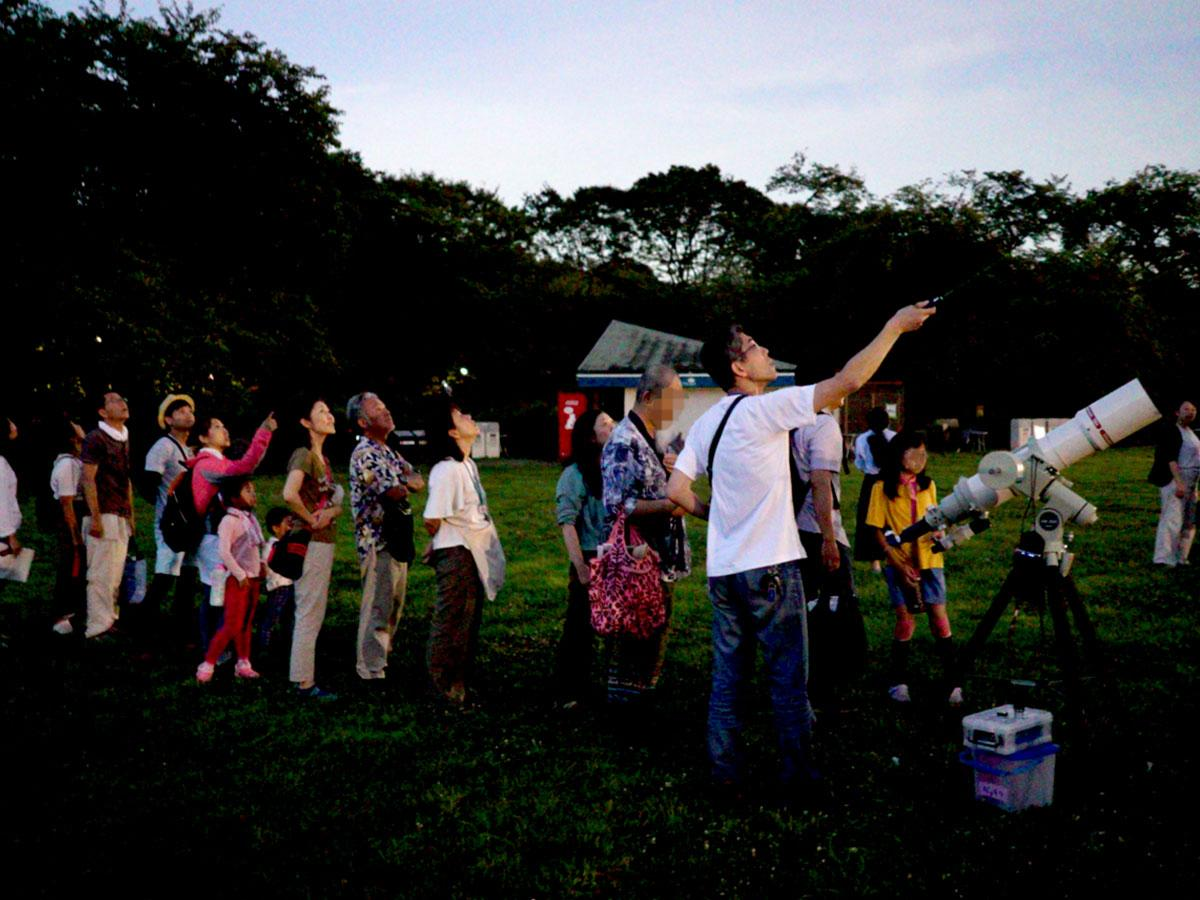 前回(8月7日の伝統的七夕)の天体観察会の様子