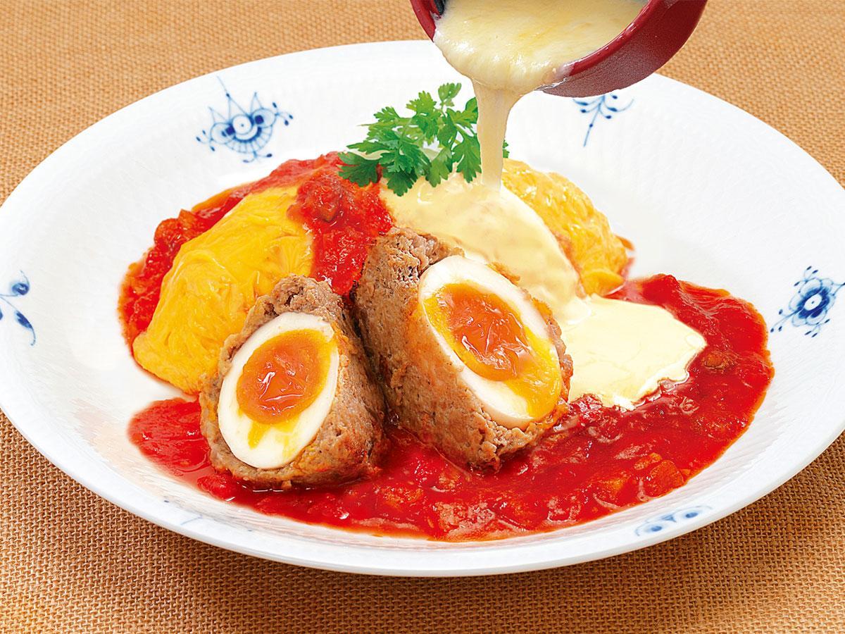 リニューアルした調布パルコのレストランの1つ「Cheese Egg Garden」の「スコッチEGGのトマトオムライスラクレットチーズかけ」