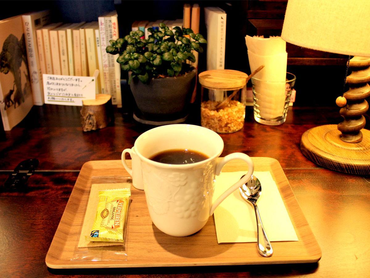 調布・国領に喫茶新店 店内に自然多用、丁寧に入れるコーヒーにこだわり
