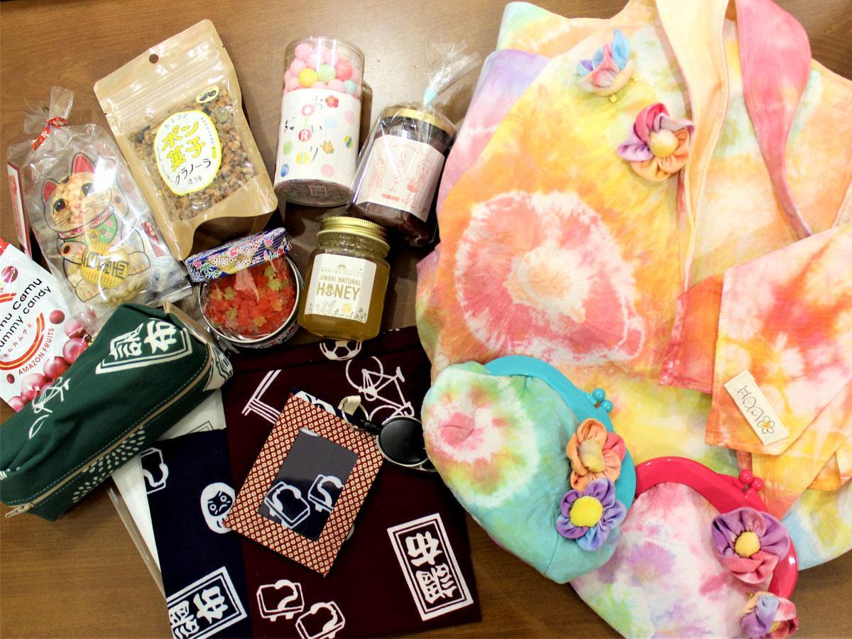 「和門 wamon」で取り扱う商品 「彩り」もテーマのひとつ