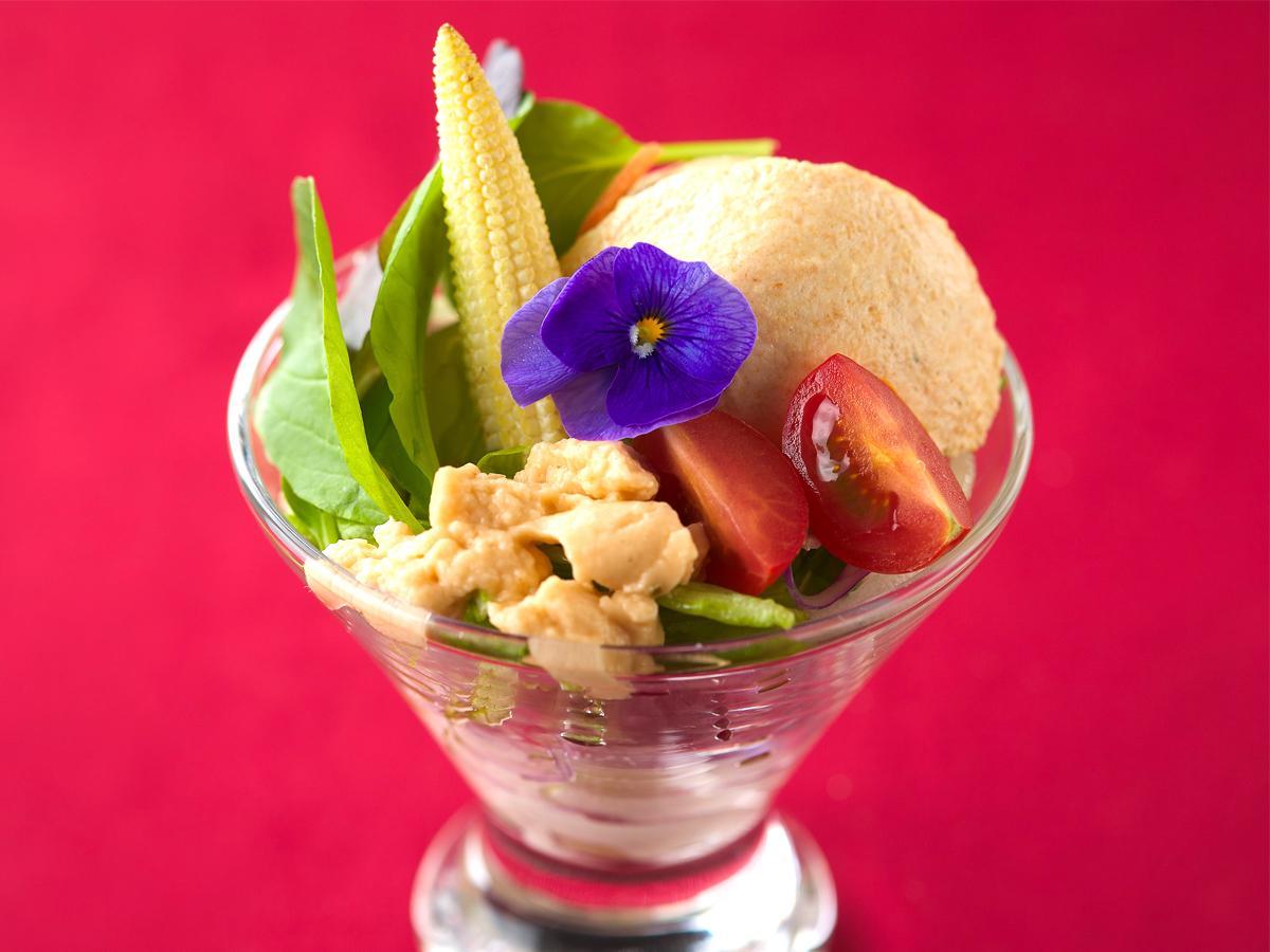 調布・仙川にカフェダイニング新店 サラダのパフェを看板に、「手作りの食事を」
