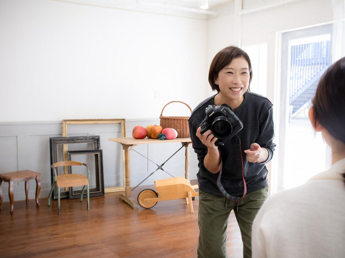 「ONDA.photo-studio(オンダフォトスタジオ)」の店主でフォトグラファーの恩田有紀子さん