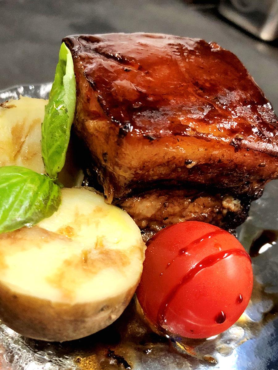 「TRATTORIA ORSO(トラットリアオルソ)」の「豚のバルサミコ角煮」
