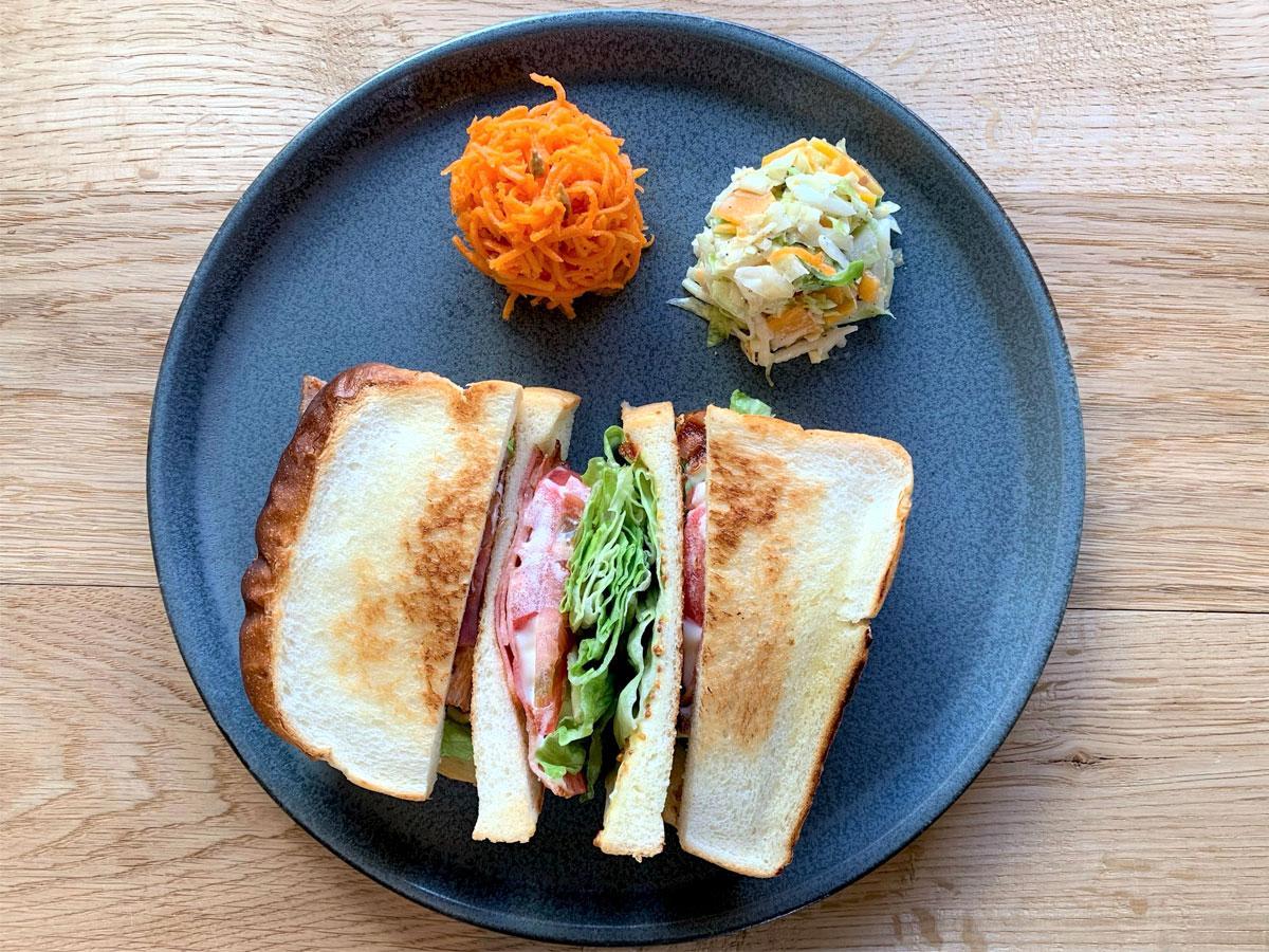 調布・仙川にカフェ新店 サンドイッチやコーヒー看板に、理想通りの地で