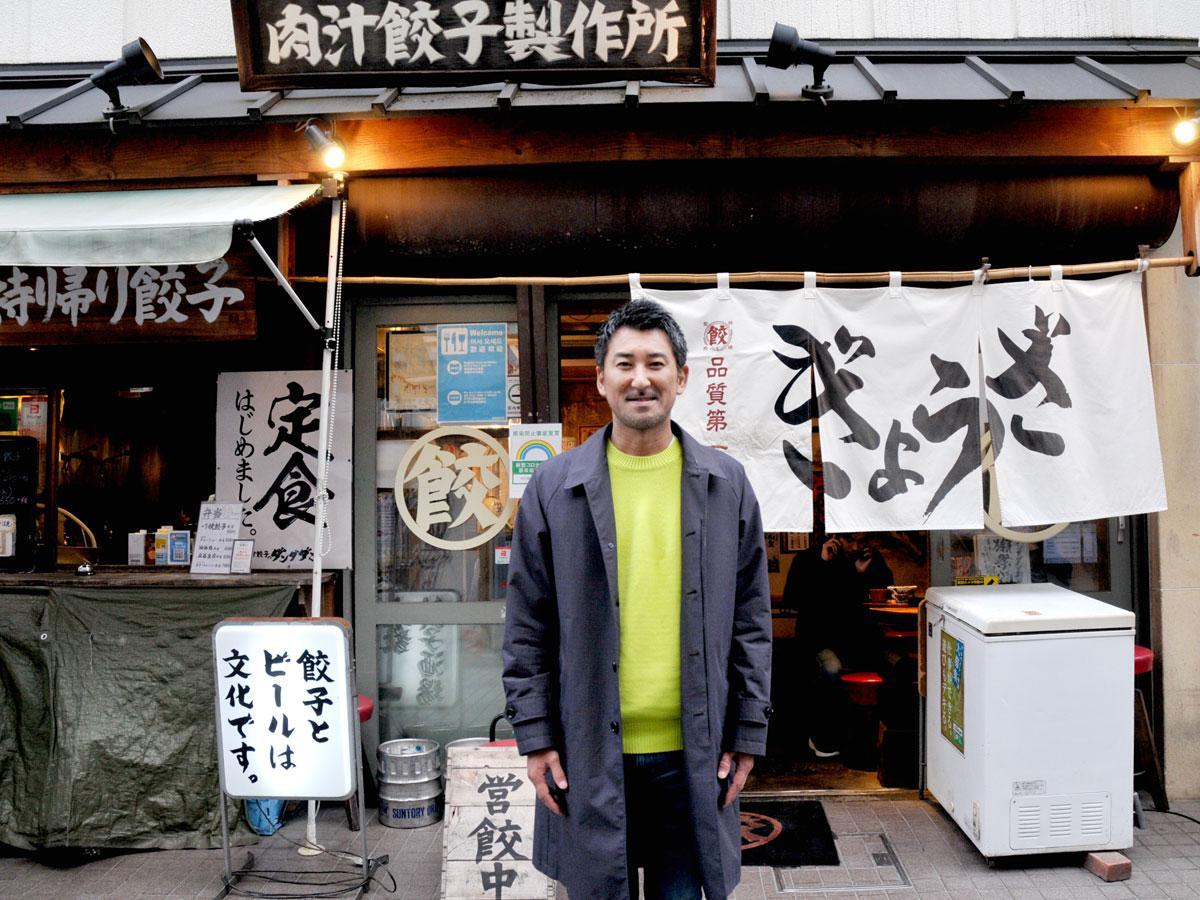 NATTY SWANKYの井石裕二社長。「肉汁餃子のダンダダン 調布1号店」にて
