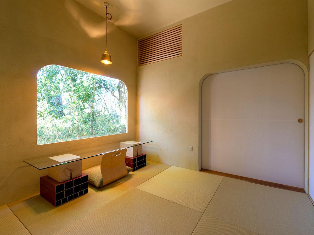 宿泊施設「COMORI」の茶室をイメージした4.5畳の和室