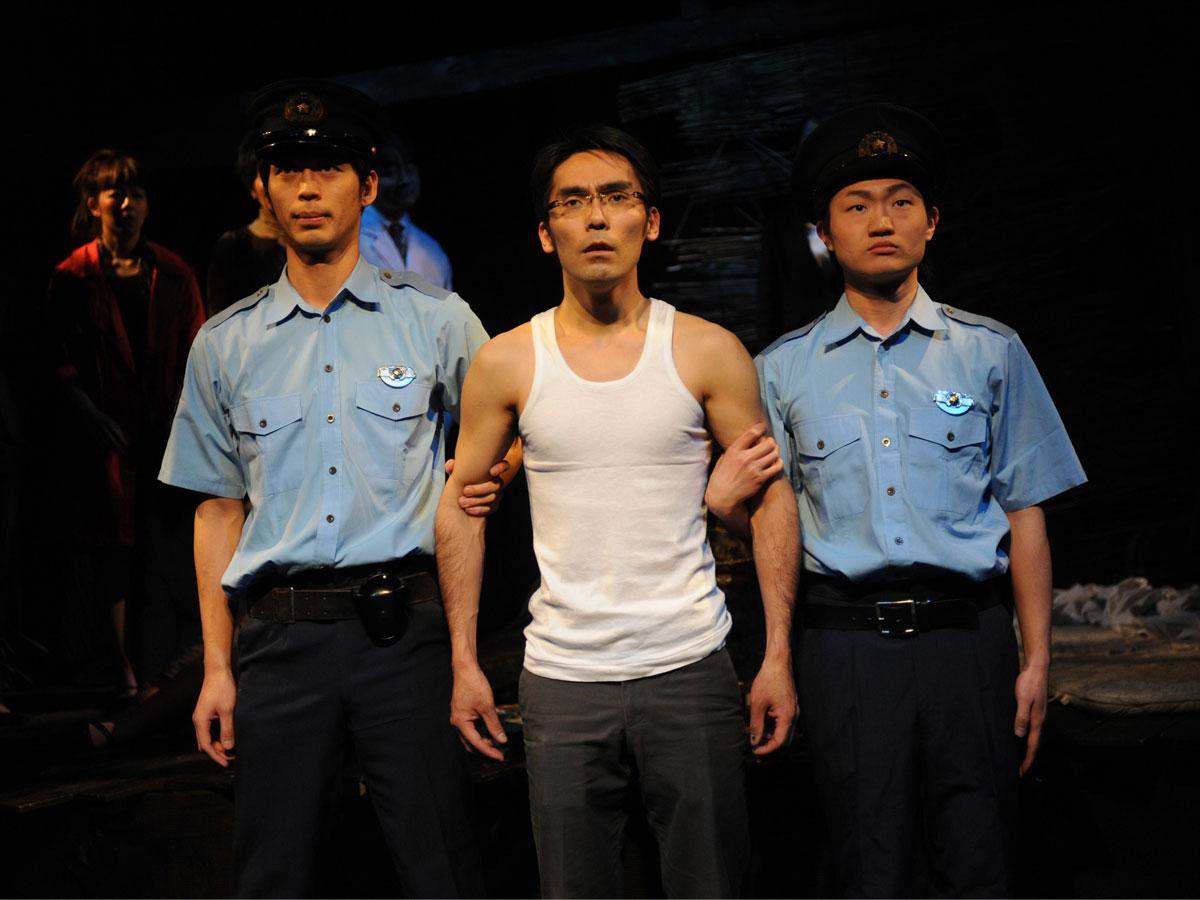 「砂女」初演時の舞台