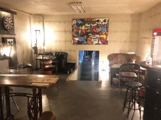 調布の革雑貨店「クロダンデポ」がカフェ・バー 半地下倉庫を大人の遊び場に