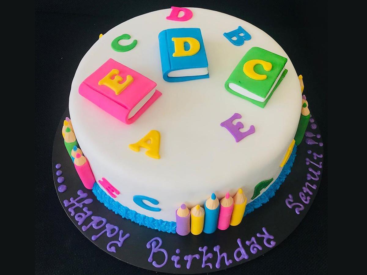 Orancyさんが装飾した誕生日ケーキ