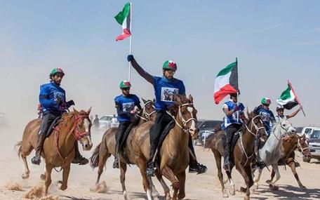 クウェートの馬術競技大会で優勝したハムダン皇子。多才なイケメン皇子として知られる