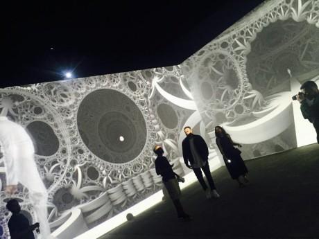 オノ・ヨーコやビョークも好む服飾デザイナーthreeASFOURの映像コラボ作品