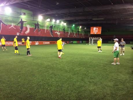 開幕を控え、ドバイ市内で調整する選手たち