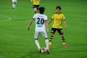 ドバイでサッカー日本代表の香川選手と長谷部選手が対決 ドルトムントが勝利