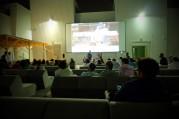 ドバイの屋外シネマで黒澤明監督「羅生門」上映