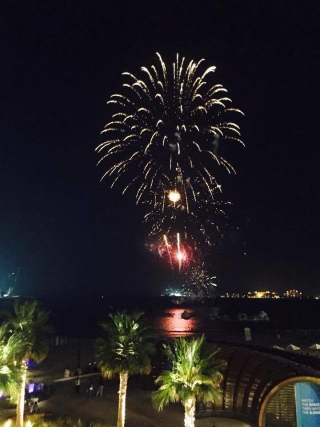花火で盛大にアラファト・デーを祝う