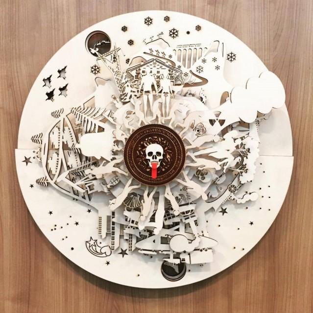 はと時計展には芸術性の高い掛け時計も