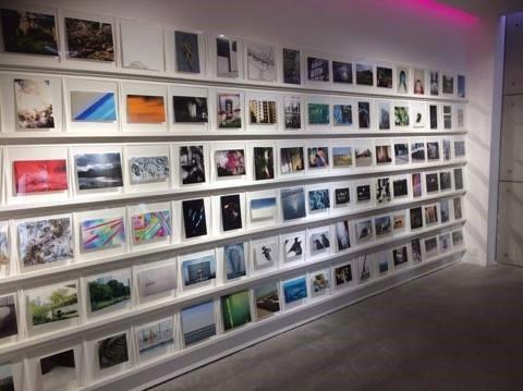 日本の写真を展示しているCHI-KA Collection