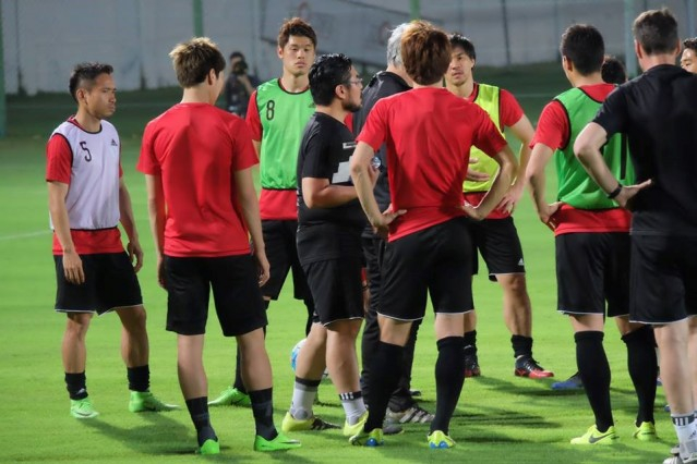 決戦の地アル・アインで練習を行う日本代表