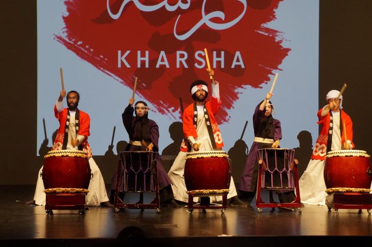 力強い太鼓の音色を披露したカルシャ(Kharsha)