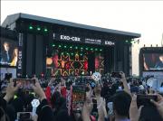 中東初のK-POPコンサート 人気スターたちにアバヤ女子も熱狂
