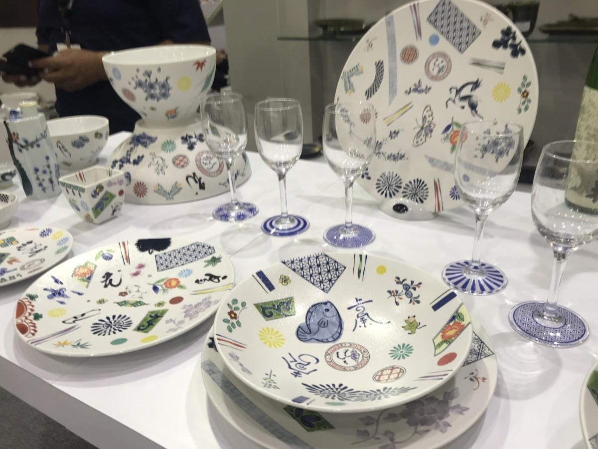 日本らしい絵柄をあしらった丸モ高木陶器の食器