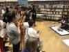 ドバイで書道・切り絵ワークショップ 初めての体験に感激する人も