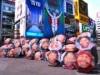 大阪・関西万博開催1500日前記念パレード 子どもの笑顔を描いた傘を手に
