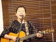 清澄白河のカフェで区内在住アーティストのライブ 「母だから歌える歌」披露
