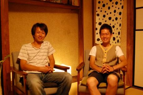 スペース運営に携わる髙木さん(左)と前田さん(右)