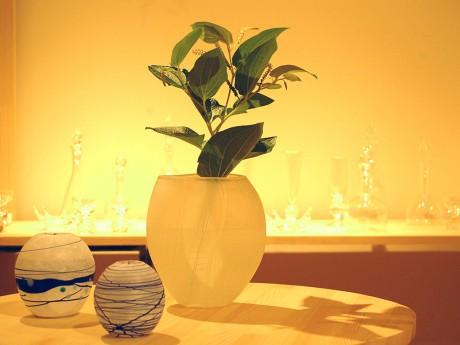 会場には花瓶など大ぶりの作品も