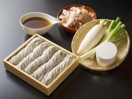 製粉から製麺、発送までを5時間以内に行うという(写真はイメージ)
