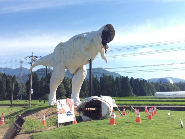 頭部が落下した状態で発見された「ホワイトザウルス」