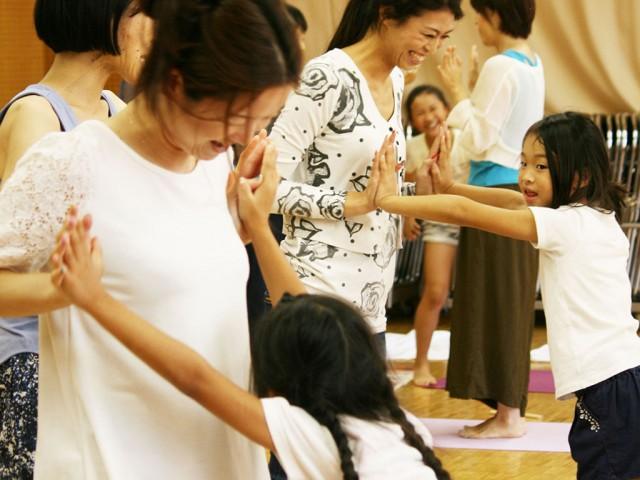 福井で「学校では教えてくれない生理の話」セミナー 骨盤緩めるヨガレッスンも