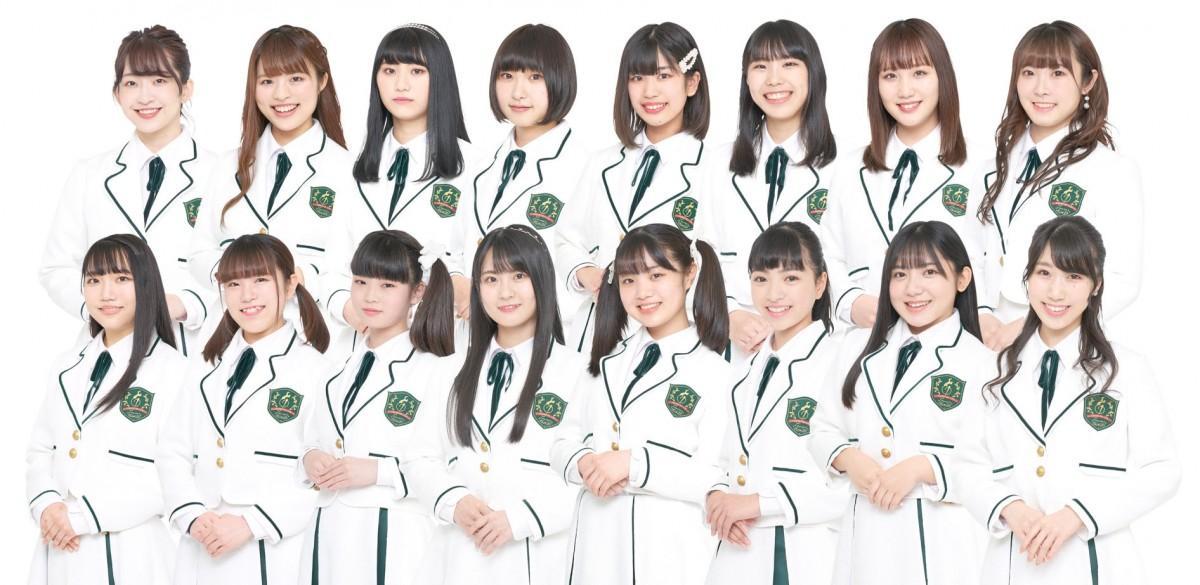 「ほくりくアイドル部」のメンバー。天谷さん(上段左から4番目)は、金沢市内で週2回行われるレッスンに通いながらアイドル活動を続けている