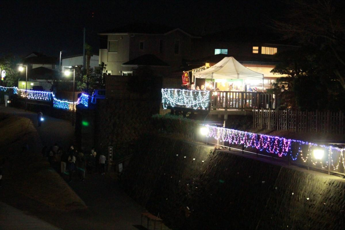 天神橋から見える御倉町隈畔のイルミネーション