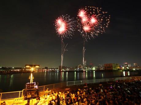 8万人の来場者があった船橋港親水公園花火大会