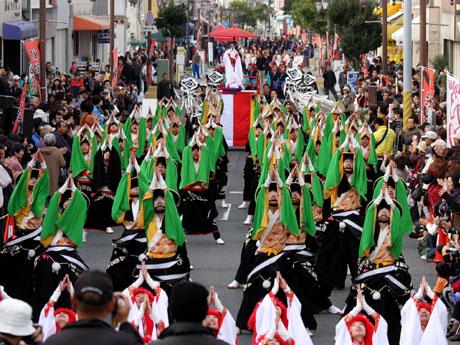 船橋市内で最大規模となる21団体800人によるヨサコイの祭典