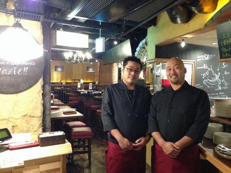 総料理長の橋本友則さんとシェフの杉岡憲敏さん