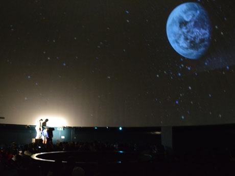 プラネタリウム館で演劇上演は初の試み
