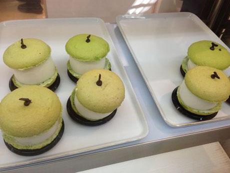船芳園の梨を使ったパティスリーイルコンフィの「バトポン」