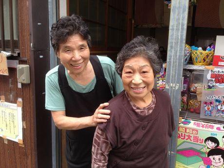 左が藤代和子さん