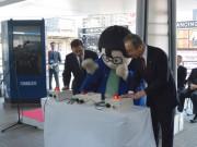 船橋駅前にデジタルサイネージ設置 5カ国語対応無料Wi-Fiも