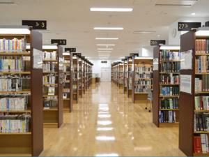リニューアルした西図書館